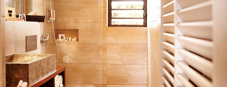 La salle de bain du bungalow Famille, ILOHA Seaview Hotel 3*, île de la Réunion