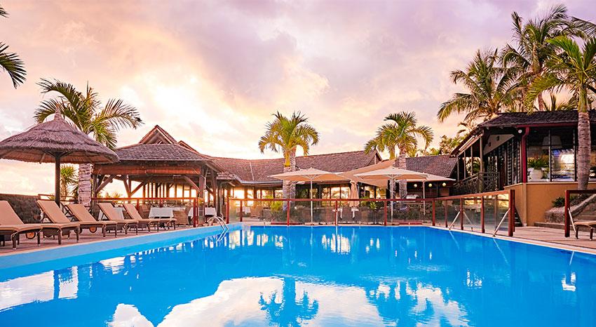 La piscine principale d'iloha Seaview Hotel 3*